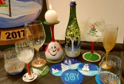 Holiday Paintings & Decor!